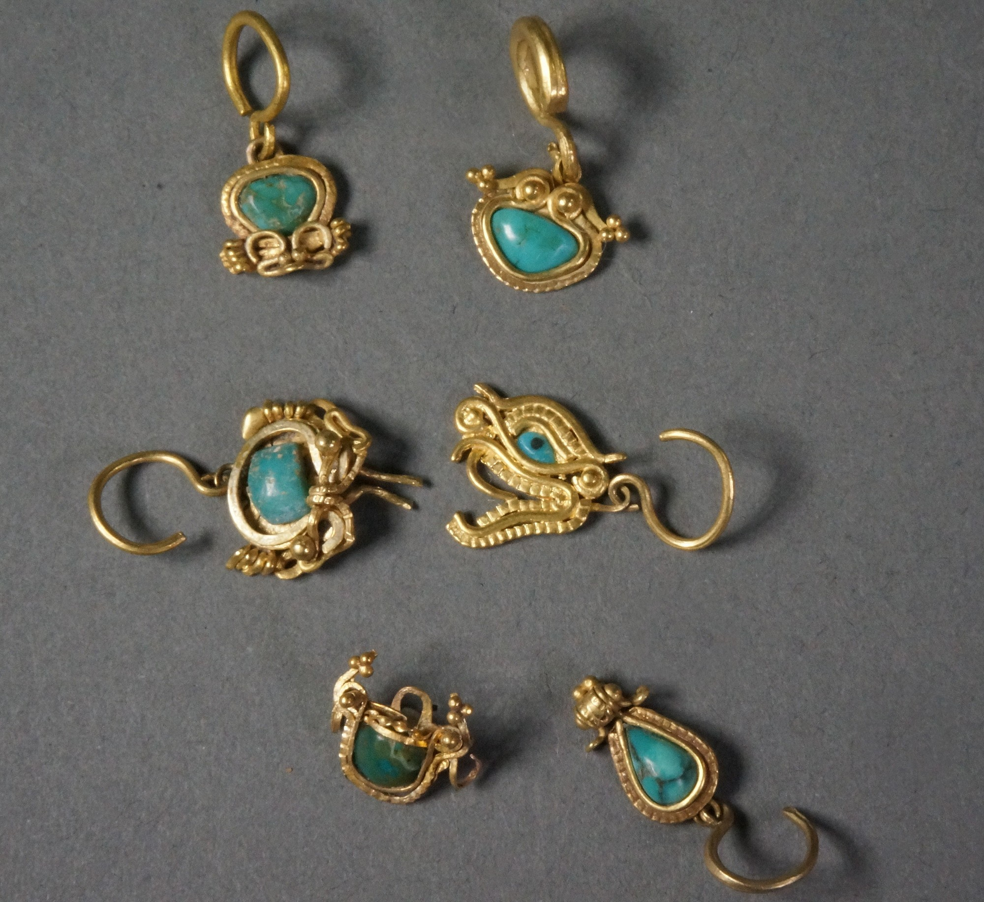 Ecuador, Six La Tolita Gold with Platinium Miniature Ear Ornaments with Turquoise Metal