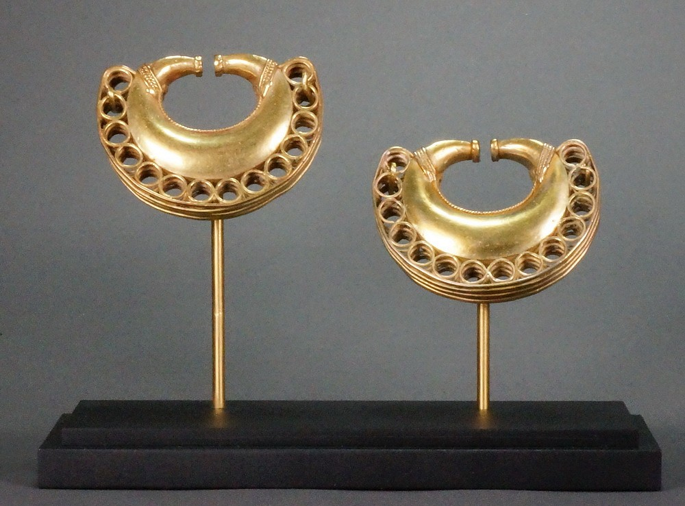 Colombia, Tairona Pair of gold lost wax cast ear ornaments decorated with braidwork Metal